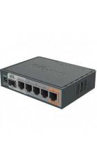 PoE-маршрутизатор MikroTik RB760iGS 2 ядра (880 МГц), 5х 1G RJ45, SFP, USB, MicroSD, раздача PoE (HEX S)